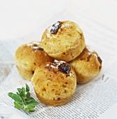 Savoury cheese and tomato muffins