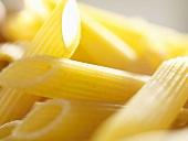 Penne rigate (close-up)