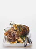 Lamb shank with garlic and thyme