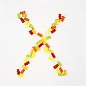 Buchstabe X aus Gummibärchen