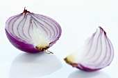 Red onion (half and quarter)