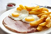 Ham and eggs with chips