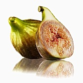 Whole fig and half a fig with reflection