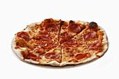 Pizza al salame piccante (Salami pizza, Italy)