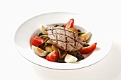 Salade niçoise with grilled tuna
