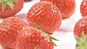 Sich drehende Erdbeeren