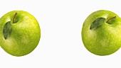 Zwei Granny Smith Äpfel