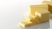 Butter, ganz und in Stücken