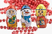 Chocolate figures for Xmas (Father Christmas, snowman, angel), beads