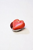 Petit four (red heart)