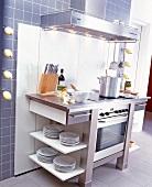 Küchenmodul mit integriertem Herd und großer Ablagefläche