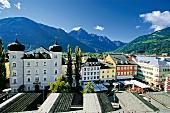 Hauptplatz von Lienz mit Blick auf die Dolomiten, Osttirol