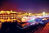 """Das Designer-Restaurantschiff """"Spoon"""" in Budapest"""
