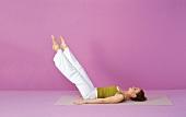 Pilates - Roll Over: Rückenlage, abrollen, Beine gestreckt, Step 5