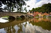 Kallmünz: mittelalterliches Dorf, Naab, Burgruine, malerisch, Brücke