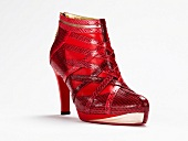 Freisteller, Ankle-Boots rot, Schlangenlederimitat, Riemchen