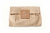 Clutch Bag aus Kalbsleder mit Pythonprägung, close-up