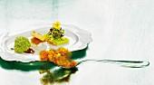 Cordon bleu von der Wachtel mit geräuchertem Aal und Aprikosen-Gelee