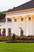 Schwarzwald: Baden-Baden, Kurhaus, Säulen weiss