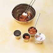 Schokolade, Parfaitmasse in Förmchen füllen und abdecken, Step 3