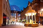 Irland: Belfast, Victoria Square Shopping Centre, aussen