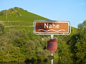 Nahe-Schild auf der Luitpoldbrücke bei Oberhausen