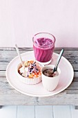 Carrot quark with beansprouts, a tofu and cocoa dip and a pear smoothie with beetroot