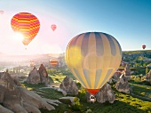 Kappadokien: Anatolien, Zemi Tal bei Göreme, Heissluftballone