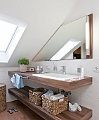 Badezimmer, Detail, Waschtisch, Waschbecken, Spiegel, Regale