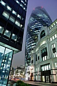 London, Cucumber Gebäude,  Abends, X