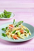 Linguine with asparagus and crayfish