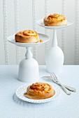Pumpkin buns with vanilla