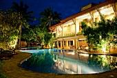 Sri Lanka, Beruwala, Barberyn Reef Ayurveda Resort, Pool, abends