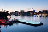 Berlin, Treptow, Spree, Badeschiff, Pool, Wrangelkiez, abends, Lichter