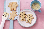 Bear-shaped biscuits with passion fruit glaze