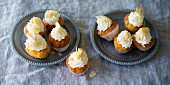 Baking with stevia: apricot cupcakes with Aperol cream