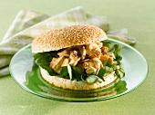 Burger mit Hähnchensalat (Coronation-Chicken-Burger)