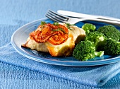 Chicken roulade with broccoli