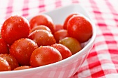 Wet tomatoes in a bowl