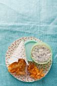 Fischstäbchen mit Möhrenkruste und Remoulade