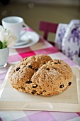 Sweet soda bread with raisins