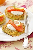 Courgette cakes with smoked salmon, sour cream and dill