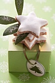 Cinnamon stars to give as a gift