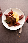Venison steaks with mashed potato & shallots in red wine