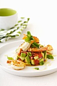 Avocado salad with roasted pepper and prawns