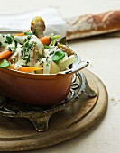 Chicken with vegetables and cream sauce