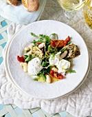 Artischockensalat mit Mozzarella und Wildrauke