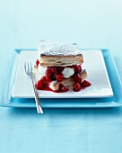Puff pastry cake with redcurrants and cream
