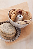 Poppy seed cookies, marmalade snails and pine nut cookies