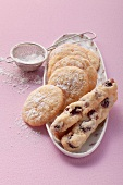 Cranberry and almond-semolina cookies